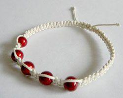 біло-червоний браслет Шамбала