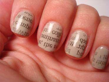 дизайн нігтів з буквами