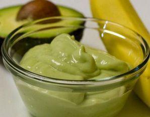Маска для волосся після фарбування з бананом і авокадо