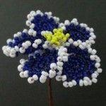 Майстер-клас плетіння махрової фіалки з бісеру