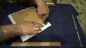 Процес натягу вишивки на підкладку