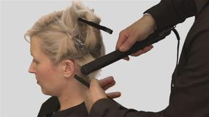 Як випрямити волосся праскою надовго