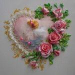 Вишивка стрічками янголятко з трояндами