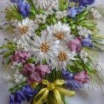 Букет польових квітів вишитий стрічками