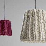 Абажур для лампи зроблений зі старої в'язки