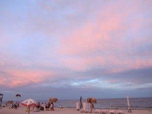 Чи їхати в Одесу на море, одеський пляж на заході.