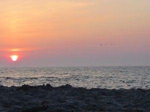 одеські пляжі дуже красиво, безлюдний пляж в одесі, температери води в одесі