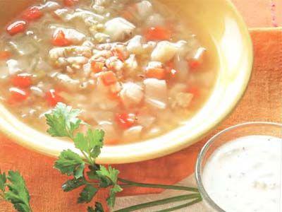 перловий суп з овочами і беконом