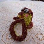 Весела змійка з бісеру
