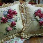 Дві подушки вишиті стрічками