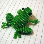 Об'ємна жаба з бісеру