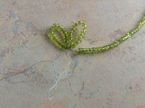 Плетемо чашолистки для ромашок з бісеру