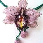 Орхідея з бісеру в техніці мозаїчного плетіння