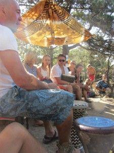Київський майстер по грі на барабанах дає уроки в Криму