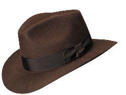 капелюх в чоловічому стилі