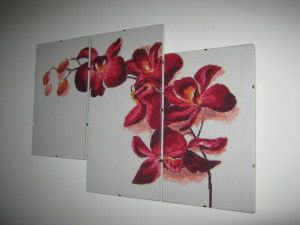Квітковий триптих вишитий хрестиком