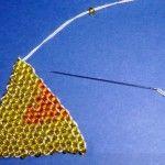 Лілія з бісеру в техніці цегляного плетіння