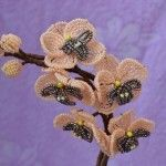 Орхідея з бісеру французьким плетінням