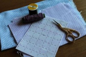 Розмічаємо канву для вишивки хрестиком