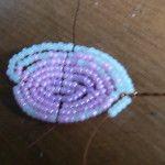 Плетемо пелюстки орхідеї з бісеру