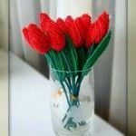 Червоні тюльпани з бісеру