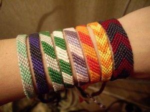 Фенечки з муліне з косим плетінням