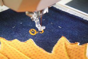 Вишиваємо монограму на швейній машинці