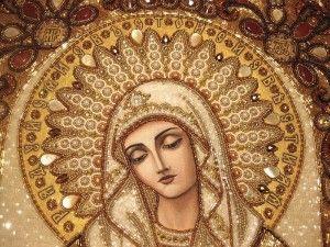 Вишитий ювелірними каменями німб на іконі Розчулення Богородиці
