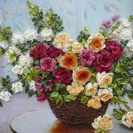 Пишний букет квітів у вазі вишиті стрічками